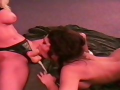 Two lesbian mature fuck with strap on