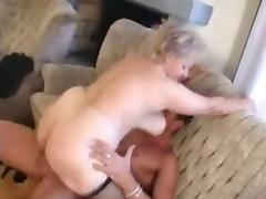 Granny receives a Pussy spreading with a big Cock