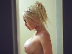 Jesse Jane sucks a weiner before and after jumping on it