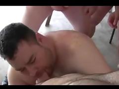 Oso se pajea viendo orgia osuna