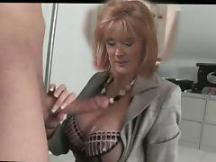 Beverly Callard , (liz macdonald )  tugging