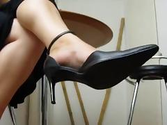 Sexy Mature Feet in Heels