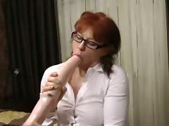 Milf destroys her arsehole with huge toys