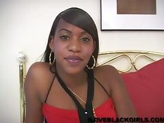 Ebony Solo Model In Miniskirt Masturbates on Homemade Clip