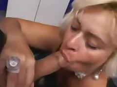 Mature Gets Her Cunt Fucked