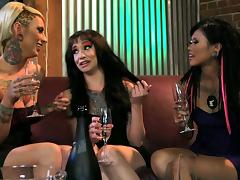 After dinner she skips drinks, has a threesome and swallows cum