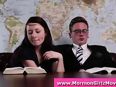 Public handjob by Mormon amateur couple