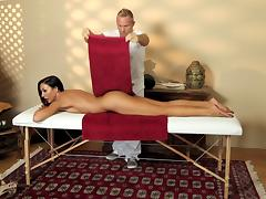 Oily massage session turns into an orgasmic pussy drilling action