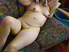 Masturbandose en la salita