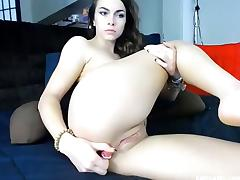 Sexy Babe Enjoys Dildoing On Couch