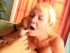 MILF loves a good banging session