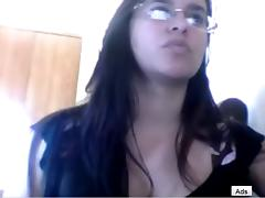 I'm in brunette amateur vid, teasing in front of webcam