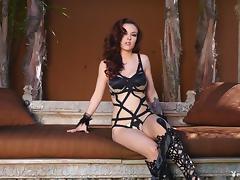 Marvelous beauty queen in sexy heels shows off her bald snatch outdoors
