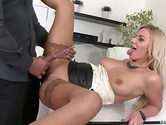 Nathaly Cherie drinks hubby's piss ahead of a rough bonking in a reality shoot