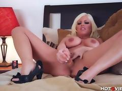 Busty Britney Amber's Screaming Orgasm