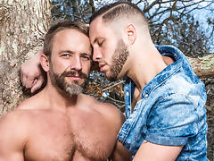 Wolf Hudson & Dirk Caber in Guys Kissing Guys Video