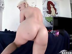 Juicy Ass White Girl Swallows A Big Load