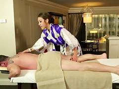 Traditional massage turns into a super hot cock sucking session