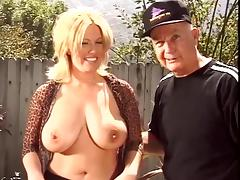 Mature blonde whore gets a long tongue and cock up her wet box