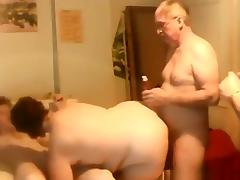 Mature slut has a groupsex party with 3 friends