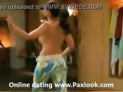 Kareena Kapoor nude boobs Full clip