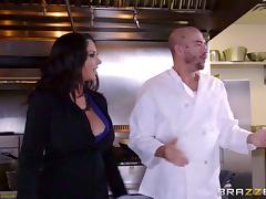 Veggie fucking slut at the restaurant wants chef cock