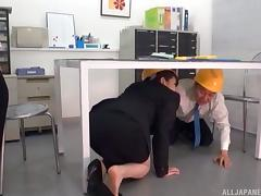 Construction site manager bangs his sexy new assistant