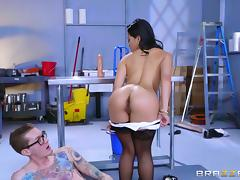 Asian babe and a big white dick banging in the office