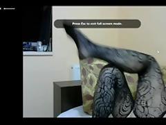 Matorka pokazuje noge