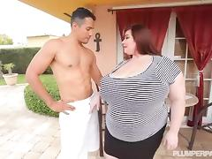 Big Tit BBW Lexxxi Luxe Fucks the Latino Gardner