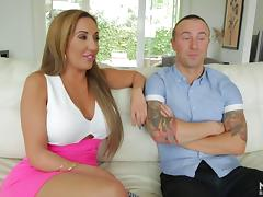 Sultry Richelle Ryan shows her milf cocksucking skills