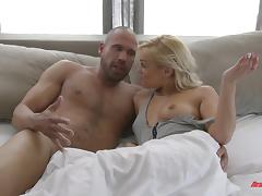 Fit guy with lots of energy to fuck this slut in her ass