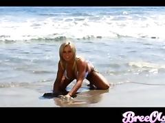 Bikini girl leaves the beach for a great threesome
