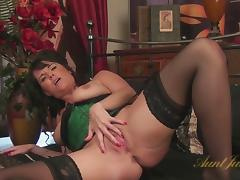 Leah in Masturbation Movie - AuntJudys