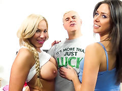 Olivia Austin,Anna Morna,Porno Dan in Surf and Turf in the Bed! Video