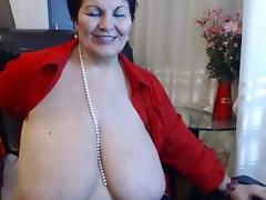 Big tit mature shows all