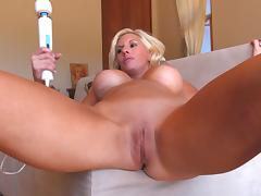 Masturbating milf babe calls him over to fuck her wet pussy