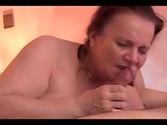 Anna White giva a blowjob