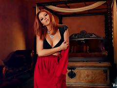 Redhead with a truly arousing body and her elegant striptease