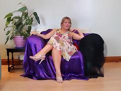 Hot mature masturbation...