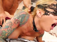 Tattooed MILF Sarah Jessie gets a good fucking