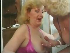 Granny Lesbians Pissing together
