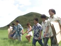 Outdoors ganbang treatment for the attractive chick Rui Hasegawa