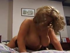 Sexy thick mature gets fucked