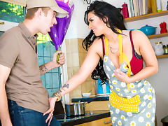 Brooklyn Blue, Danny D in Flower Delivery - DigitalPlayground