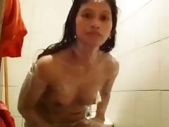 Naughty Jennifer pinay helper take her shower