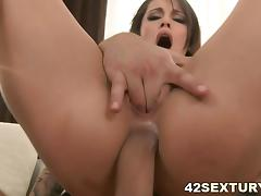 Nikita Belucci close up anal ride