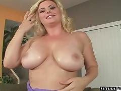 Blonde diva yelling while big black cock meanders in her tight pussy