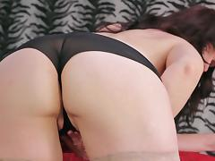 Nice ass mature diva stripteasing then fingering pussy