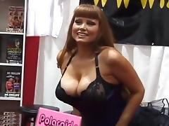 Big Tits & Round Asses On Public Display